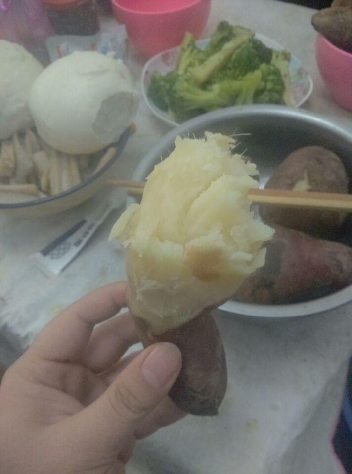 农村长大的孩子,大都对红薯有很深的情怀